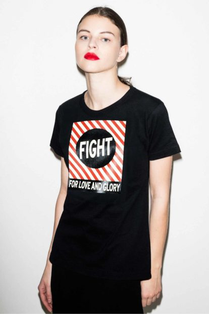 FFLAG Paris – Fight for love and glory – T-shirt femme imprimé noir – détail