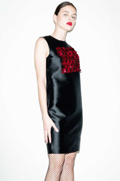 FFLAG Paris - Fight for love and glory - Garnet flowers faille dress - face