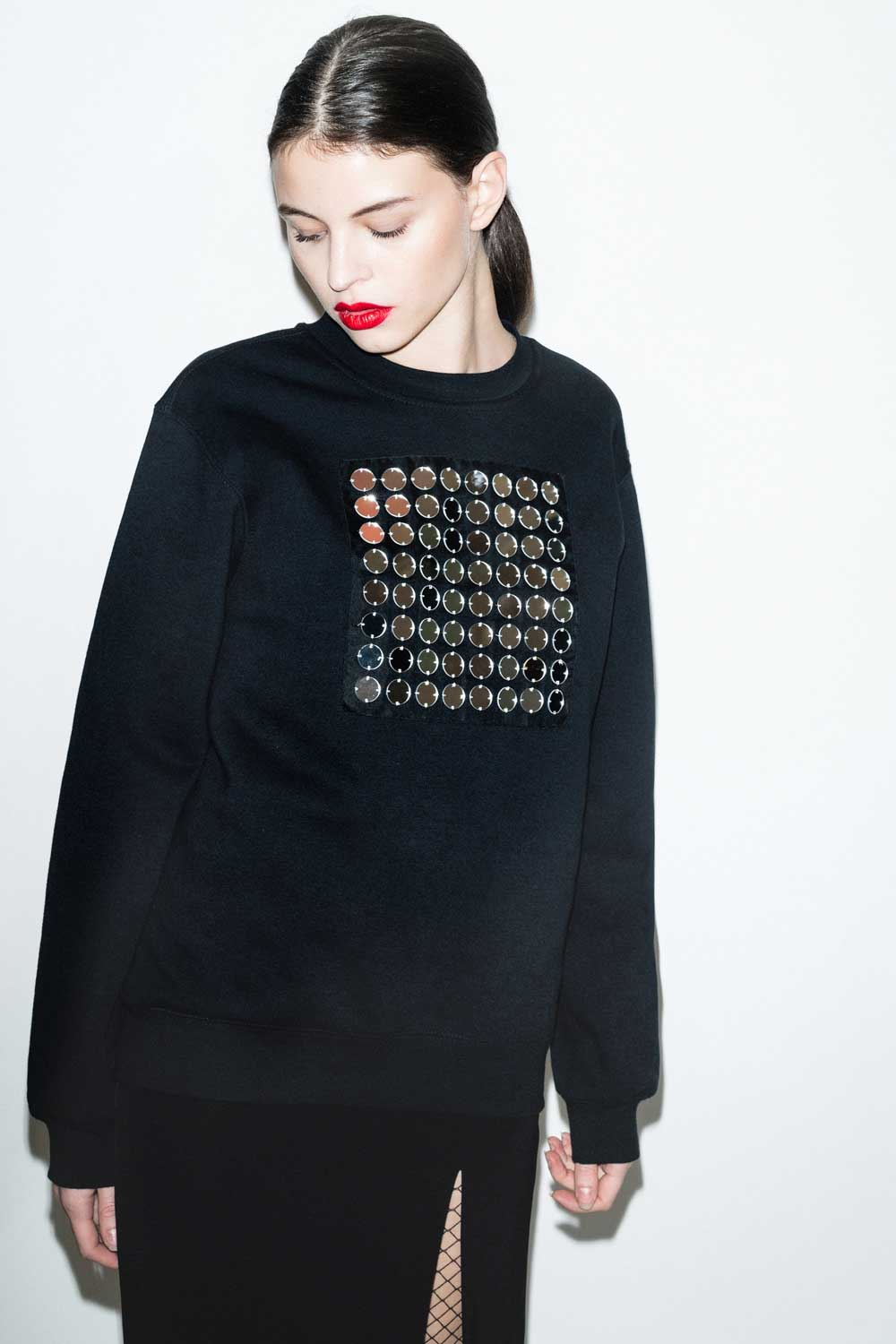 fflag-sweatshirt-ornement-miroir-broderie-couture-4