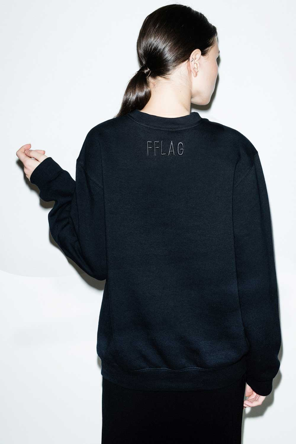 fflag-sweatshirt-ornement-miroir-broderie-couture-5