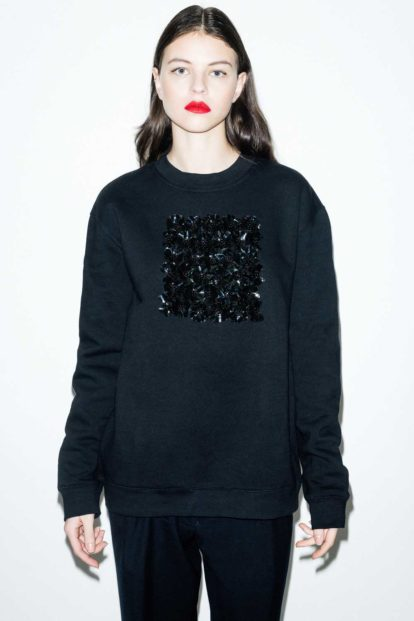 FFLAG Paris – Fight for love and glory – Sweatshirt fleurs noires – face