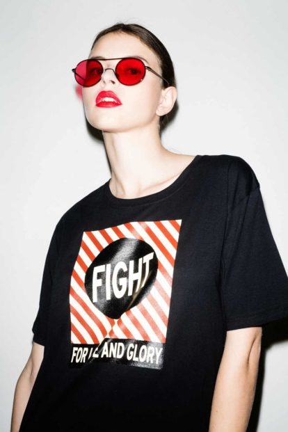 FFLAG Paris – Fight for love and glory – T-shirt unisexe imprimé noir – détail