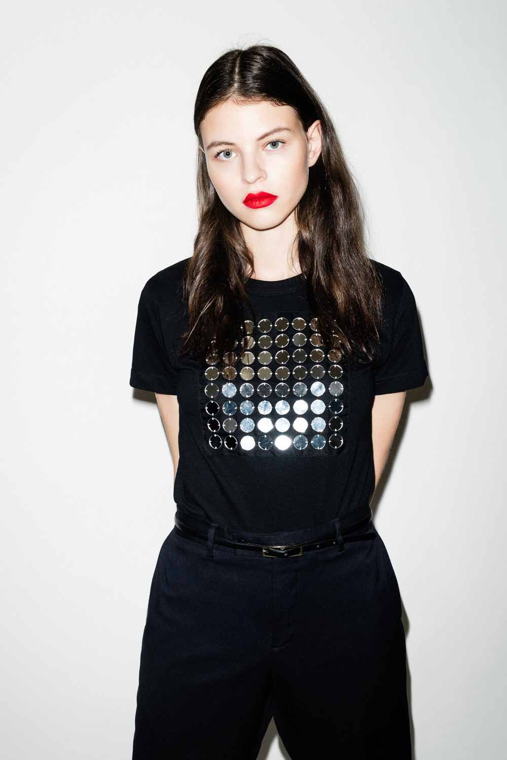 fflag-tee-shirt-ornement-miroir-broderie-couture-4